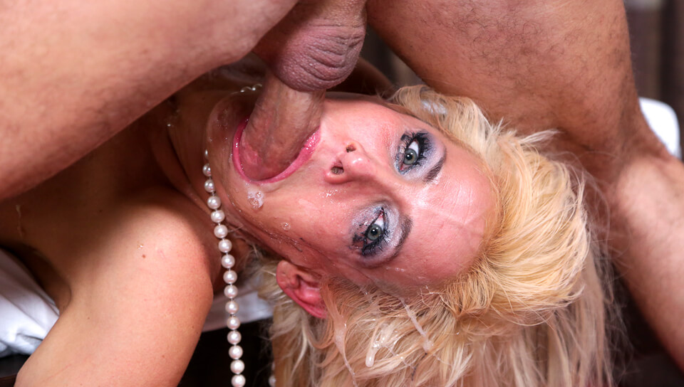 Mikki Lynn's Large Mouth Gets Totally Fucked To The Depths